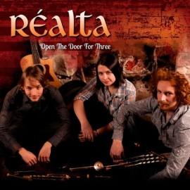 Réalta - open the door for three
