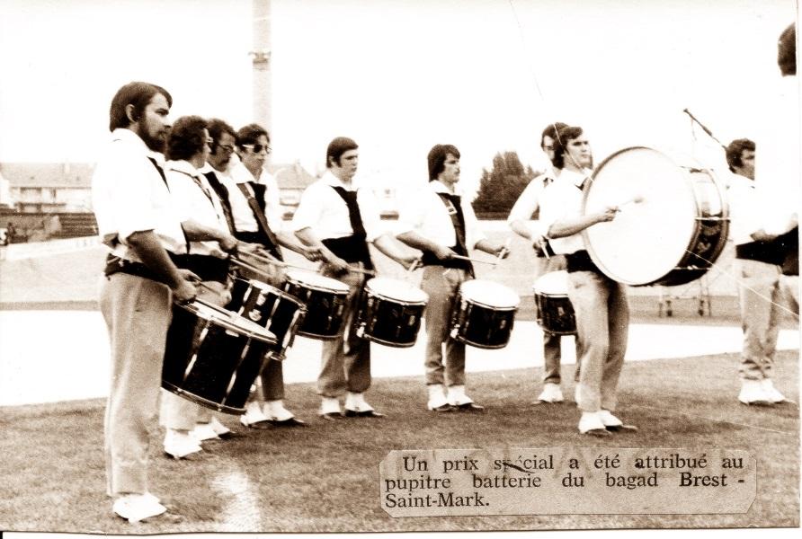 Le pupitre batterie de la Kevrenn Brest Sant Mark en 1974