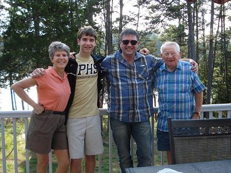 Yann Pelliet avec Joyce, Cameron et Jimmy McIntosh en Caroline du Sud en 2014